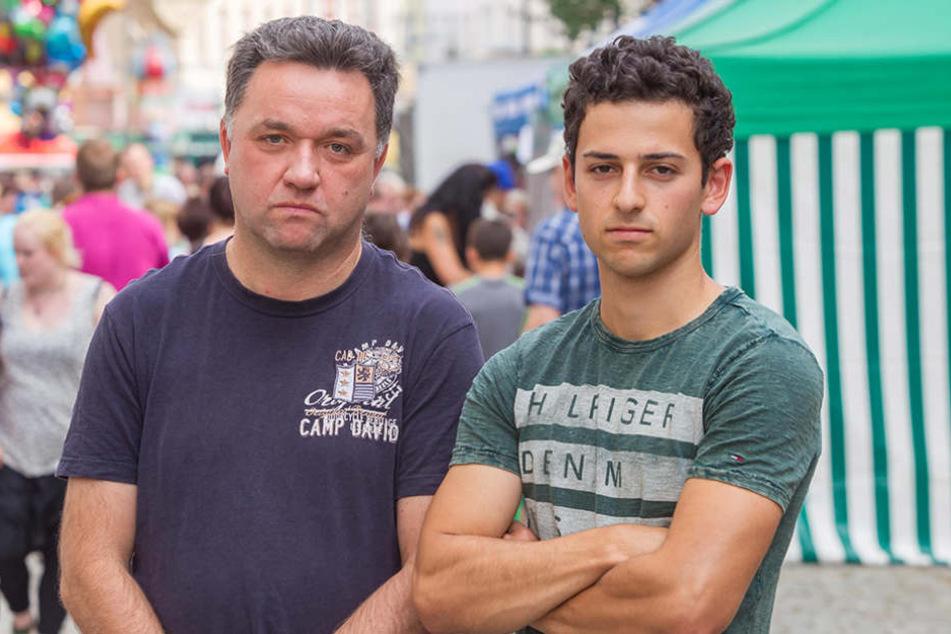Wegen Überfüllung geschlossen:Dirk Herold (50) und Sohn Tom (19) verpassten den Auftritt von Karat.