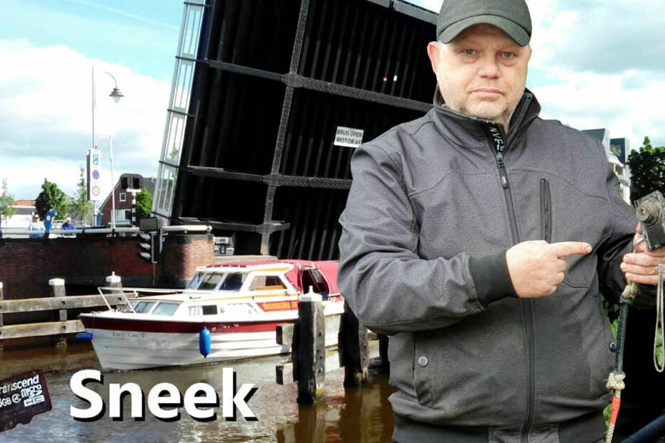 Magnetangler Henk Hamstra fischte eine Kamera aus dem Kanal. Vor vier Jahren hatte sie ein Sachse verloren.