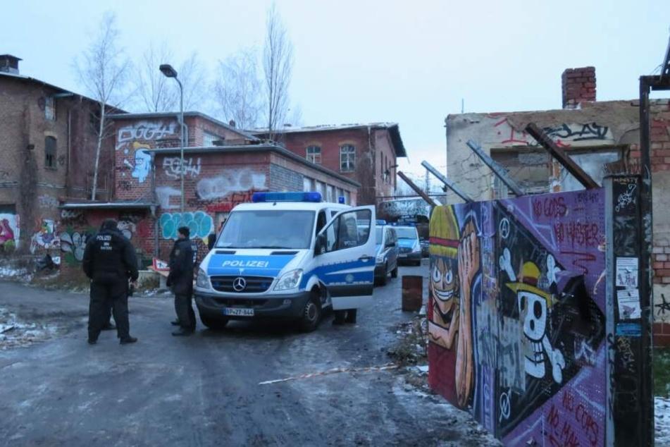 """Rund 150 Landes- und Bundespolizisten hatten in den frühen Morgenstunden des 15. Januar das Leipziger """"Black Triangle"""" besetzt."""