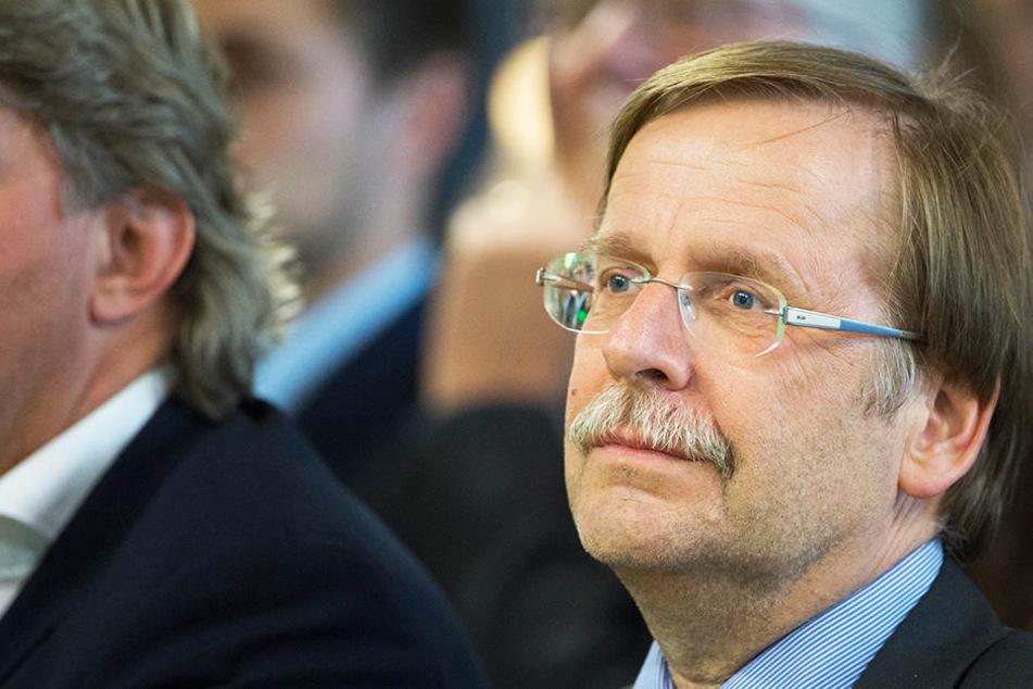 DFB-Vizepräsident Rainer Koch kann sich eine Aufsplittung in zwei Dritte Ligen vorstellen.