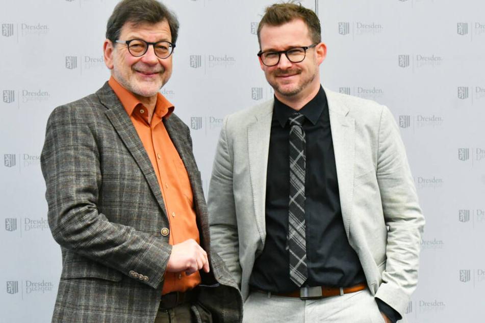 Reinhard Koettnitz (63, l.), Leiter des städtischen Straßen- und Tiefbauamts, und Baubürgermeister Raoul Schmidt-Lamontain (42, Grüne).
