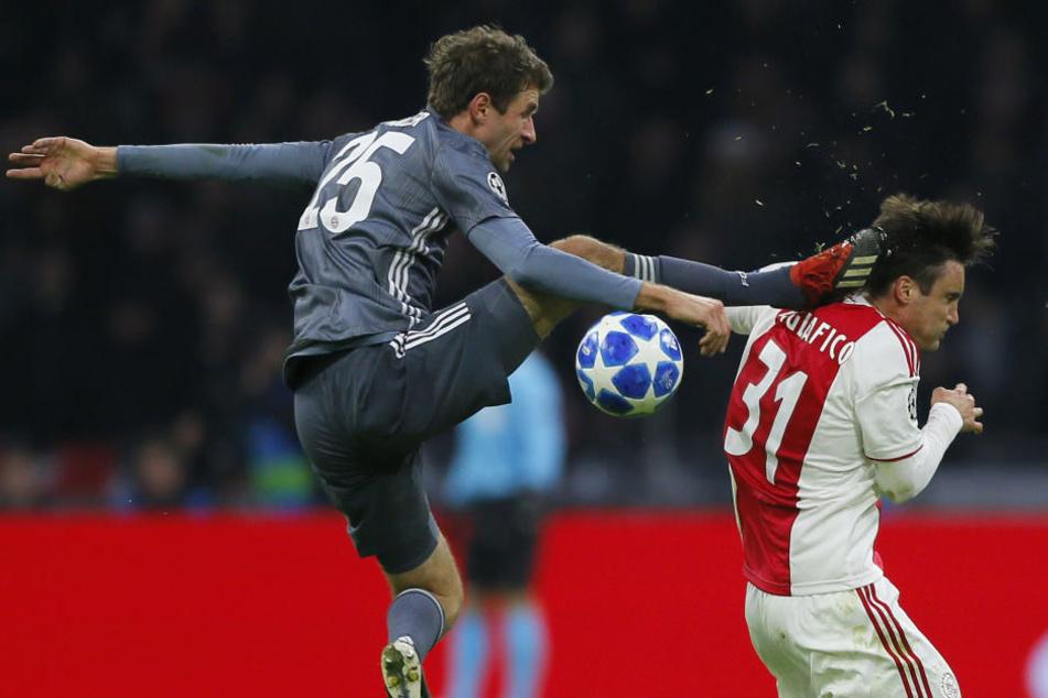 Diese Szene war nicht schön anzusehen. Der Bayern-star erhielt dafür die rote Karte.