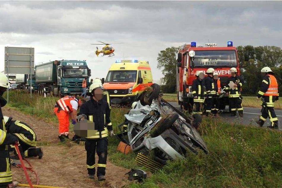 Auch zwei Rettungshubschrauber sind im Einsatz.