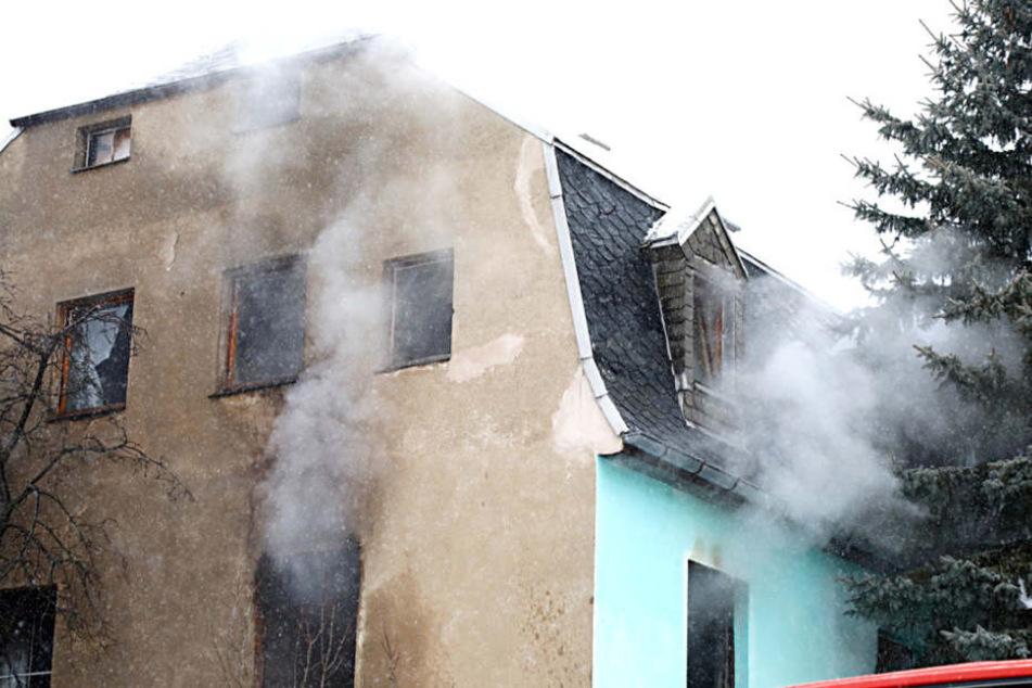 Die Wohnung in der oberen Etage stand komplett in Flammen.