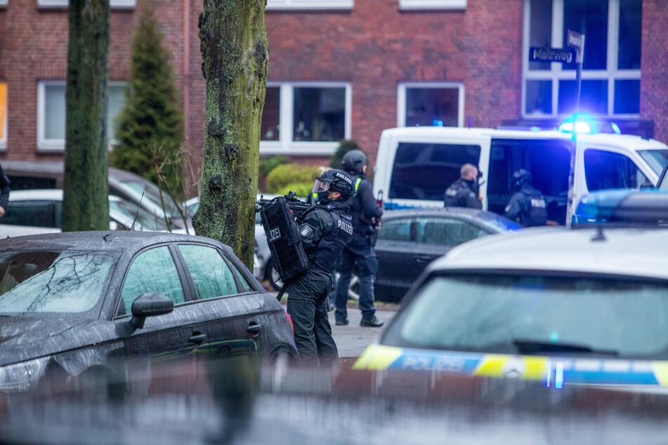 Nachbarschafts-Streit eskaliert: Mann mit Schusswaffe verletzt!
