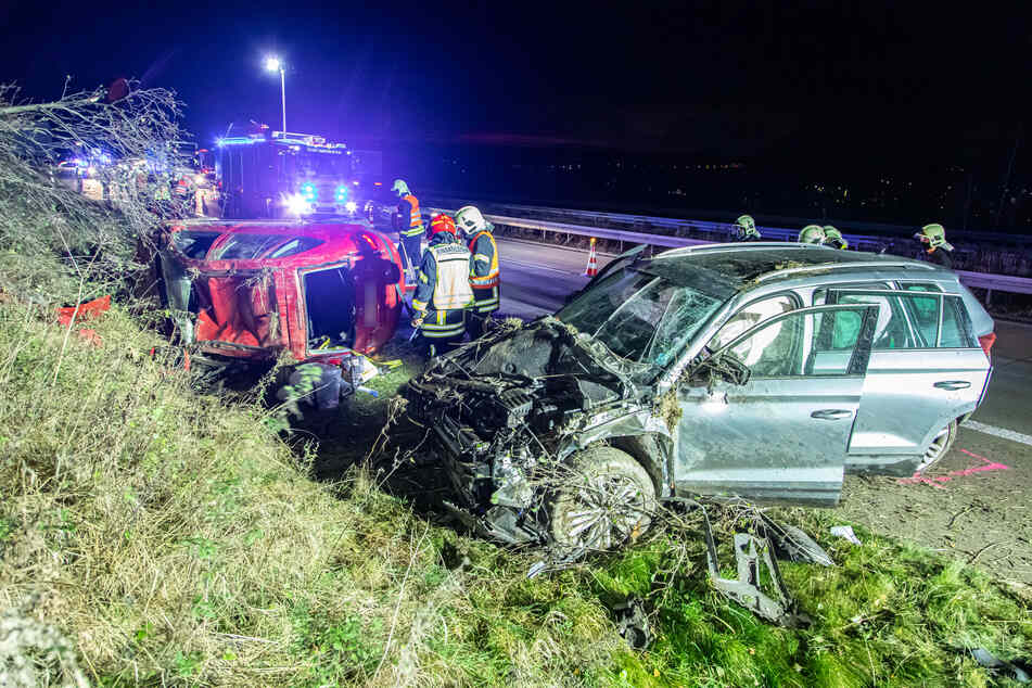 Schwerer Unfall auf A72: Zwei Skodas krachen zusammen