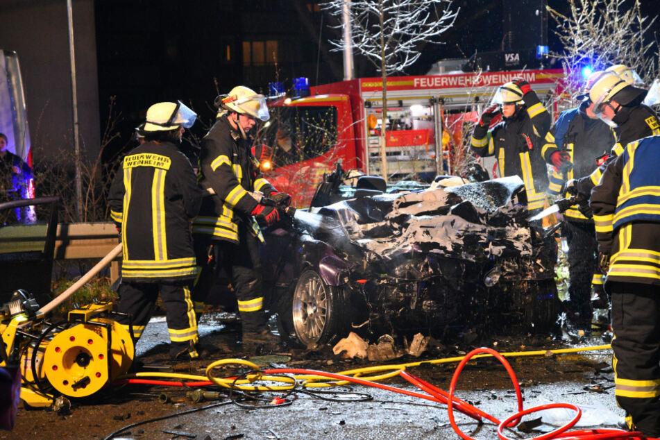 Vier Menschen wurden bei dem Unfall verletzt, zwei von ihnen schwer.