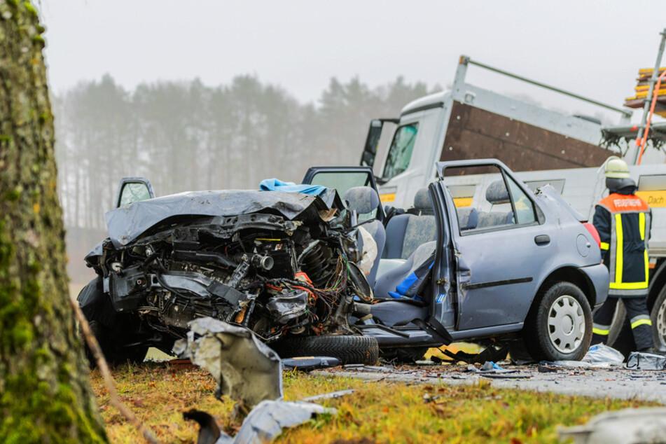 Tödliches Überholmanöver: Frau stirbt nach Frontalcrash mit SUV