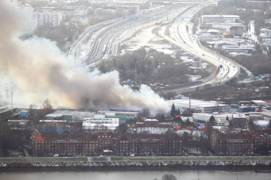 Aktuelle News und Meldungen von heute zu Feuerwehreinsätzen in Hamburg. © HamburgNews/Christoph Seemann