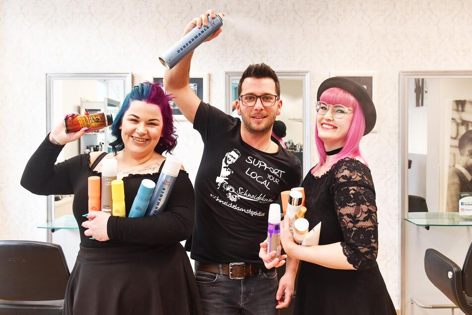 Friseur Felix Schumann (32) und sein Team machen aus der Krise eine Auktions-Show auf Instagram.