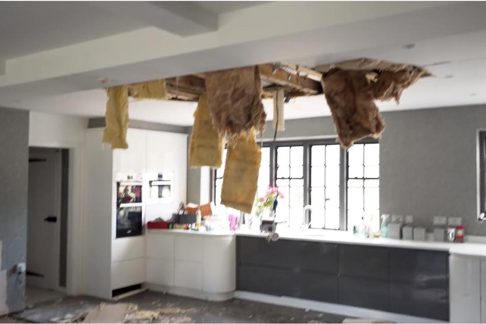 Durch die Flutung des Badezimmers soll die Küchendecke eingestürzt sein.