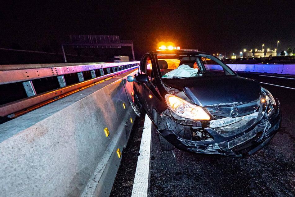 Auf Autobahn: Streifenwagen verursacht Unfall, Ermittlungen gegen Polizisten