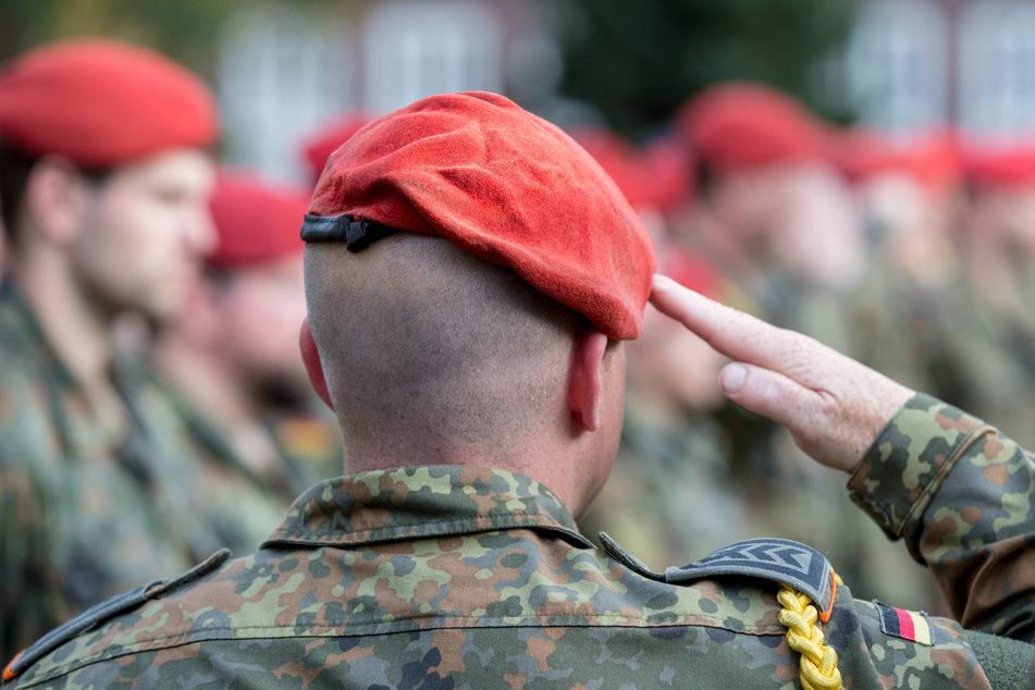 Bundeswehr-Reservisten in Nordsachsen und Sachsen-Anhalt sollen ein rechtsextremes Netzwerk gebildet haben.