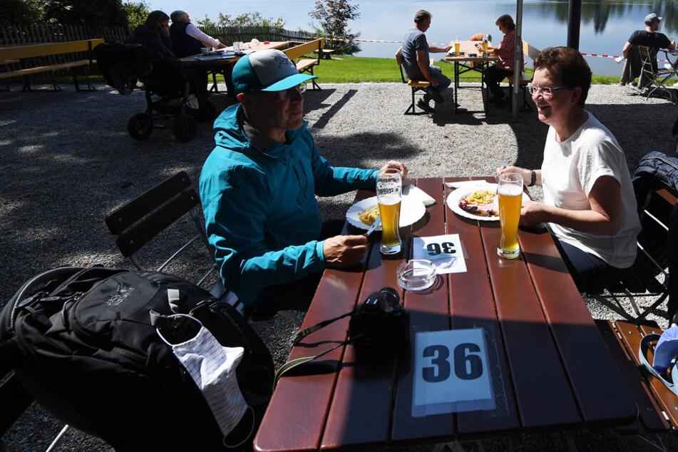 Biergarten auf! Die bayerischen Wirte verlangen eine Öffnung der Freischankflächen. (Symbolbild)