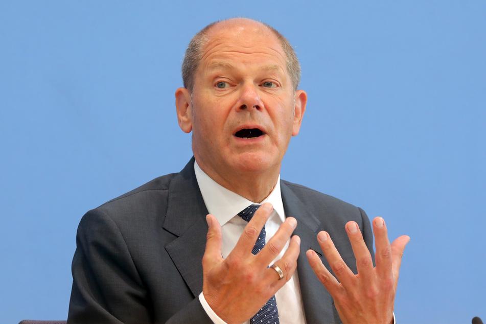 Olaf Scholz (63, SPD) äußerte sich am Morgen in Berlin zu möglichen Hilfen für die Opfer der Hochwasser-Katatstrophe.