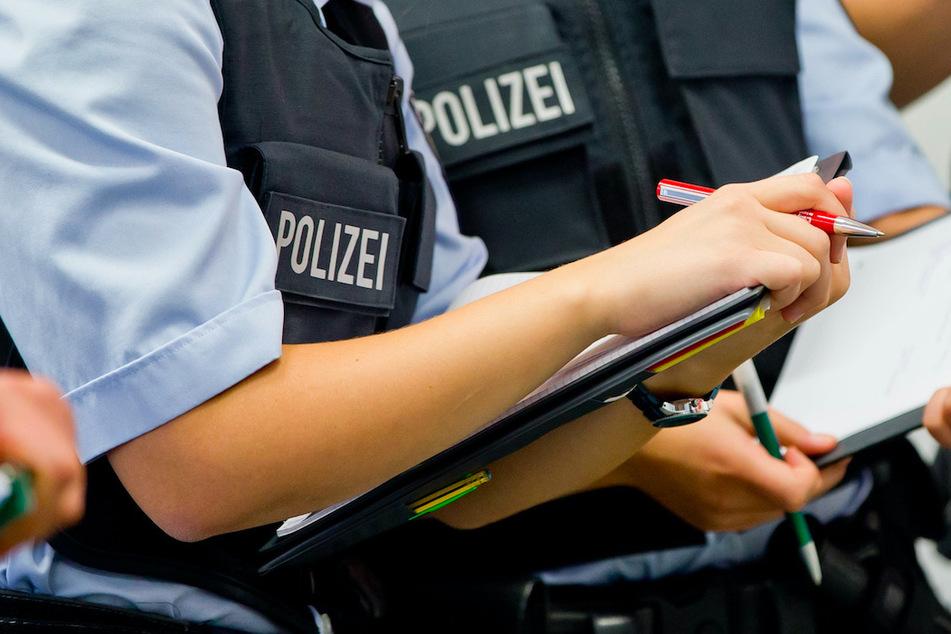 Als Polizisten in Oberfranken eine Anzeige aufnehmen wollten, bemerkten sie die Fahne des Mannes und führten einen Alkoholtest durch. (Symbolbild)