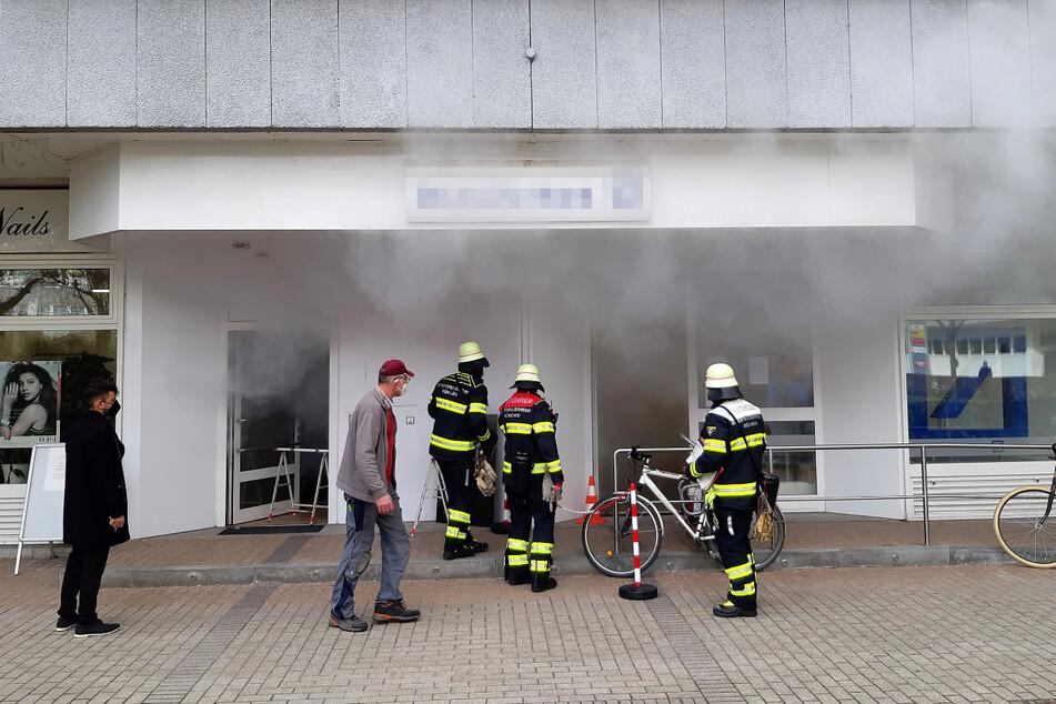 München: Rauchbombe in Bankfiliale sorgt für Großalarm!