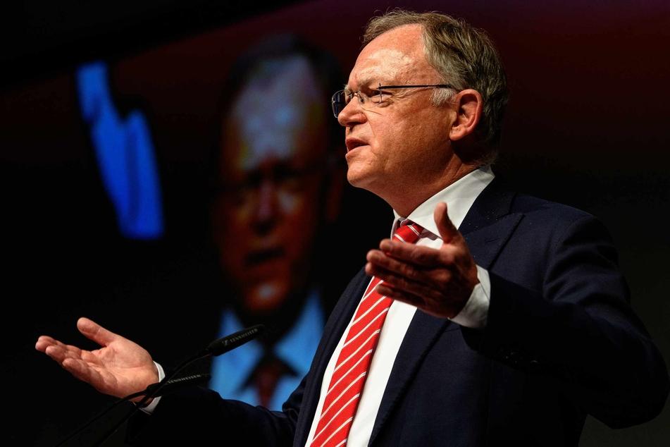 Niedersachsens Ministerpräsident Stephan Weil stellt Lockerungen in Aussicht.