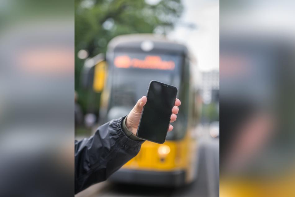 Die Fairtiq-App erfasst die Fahrstrecke und berechnet dafür das richtige Ticket.