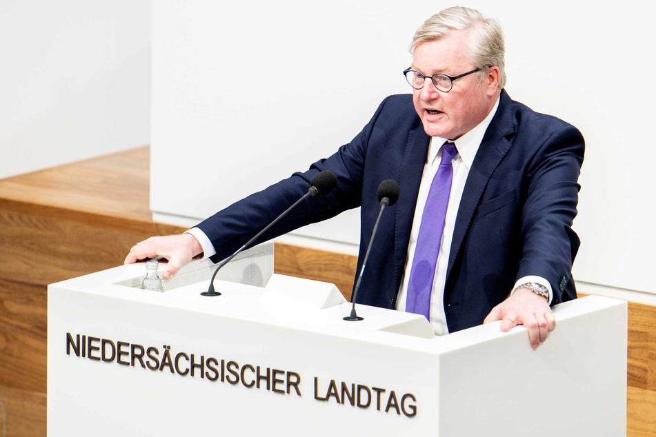 Bernd Althusmann (CDU), Wirtschaftsminister in Niedersachsen, spricht im niedersächsischen Landtag