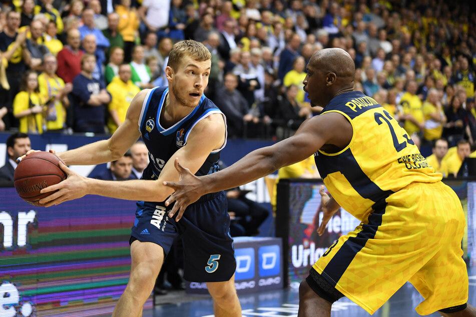 ALBA Berlin gegen EWE Baskets Oldenburg in der Hauptrunde der BBL 2020 (Foto: Carmen Jaspersen/dpa).