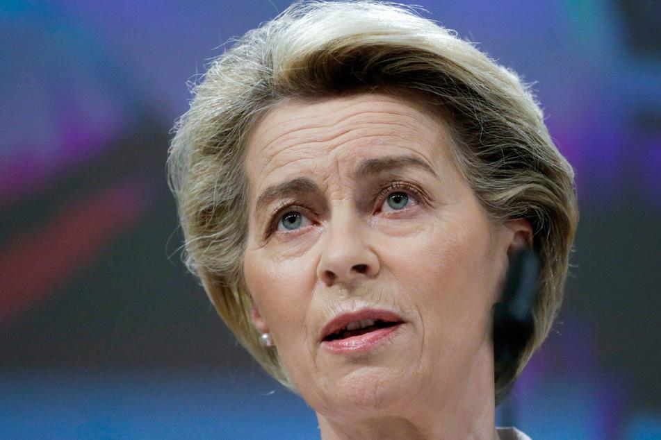EU-Kommissionschefin Ursula von der Leyen (62, CDU) will dafür sorgen, dass bis zum Herbst 70 Prozent der Erwachsenen in der EU vollständig geimpft wurden.
