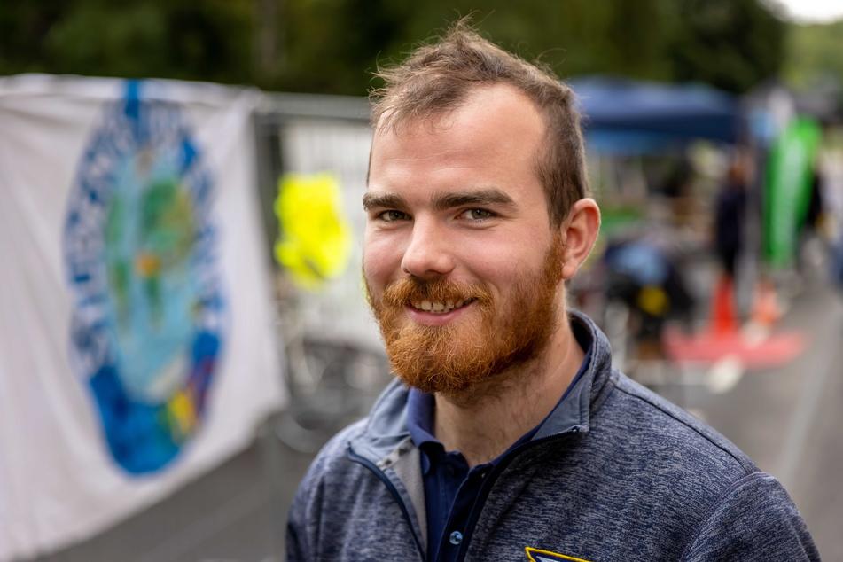 Bündnissprecher Till Saremba (22) will weniger Autos in Chemnitz.