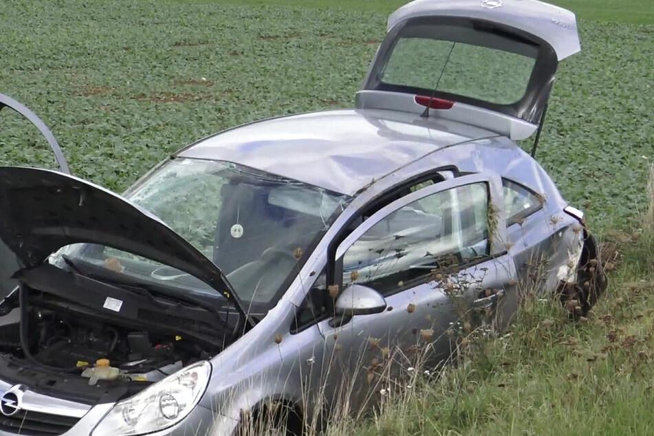 Auto überschlägt sich bei Unfall: Fahrerin verletzt