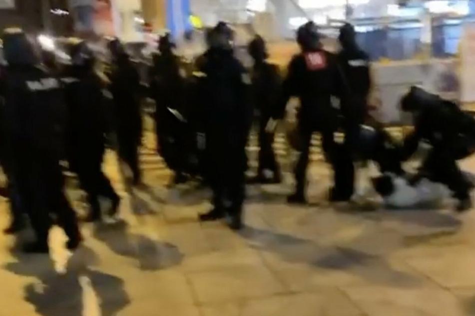 Zahlreiche Polizisten waren am zurückliegenden Wochenende auf der Zeil in Frankfurt im Einsatz.