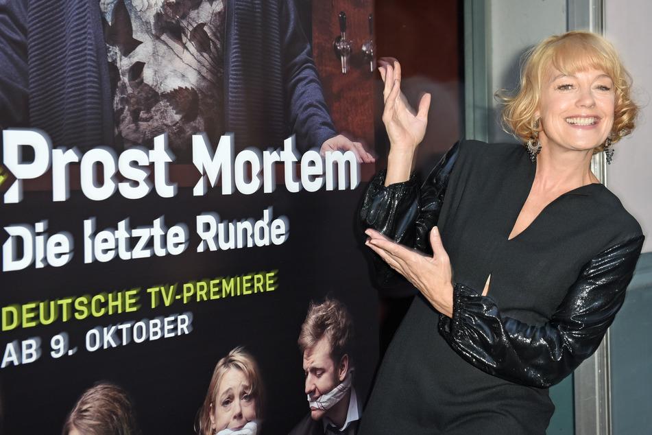 Elke Winkens (50) ist ein wahres Multitalent. Das Fernsehpublikum kennt sie unter anderem aus der Daily-Soap Sturm der Liebe.