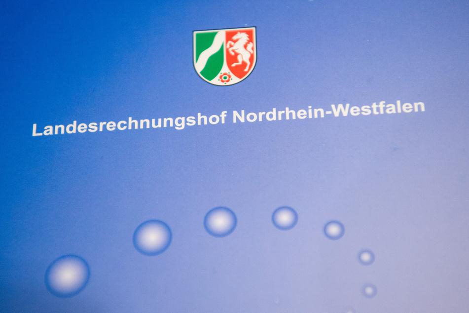 Der Landesrechnungshof hat wegen der Sonderregelungen für Ausschreibungen in der Pandemie Kritik am Land NRW geübt.