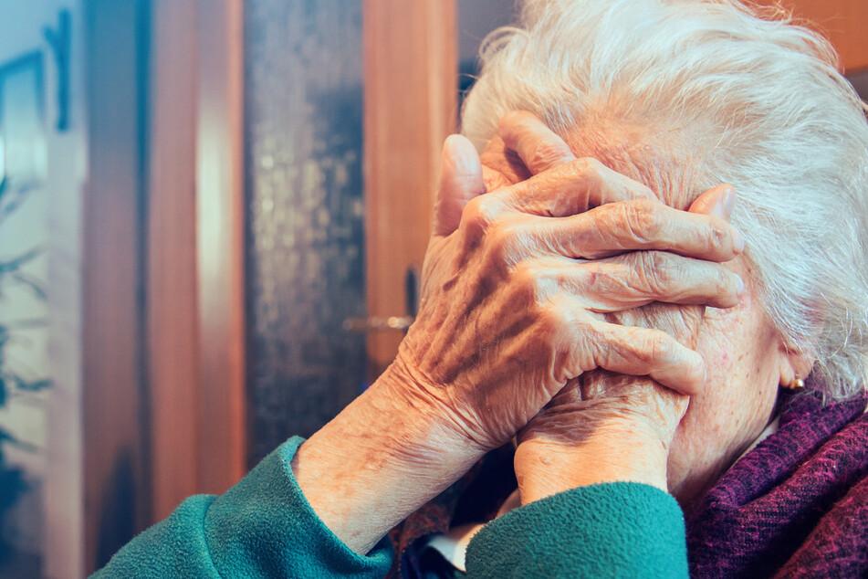 Die 86-jährige Frau leidet nach der furchtbaren Tat an einem extremen Trauma.