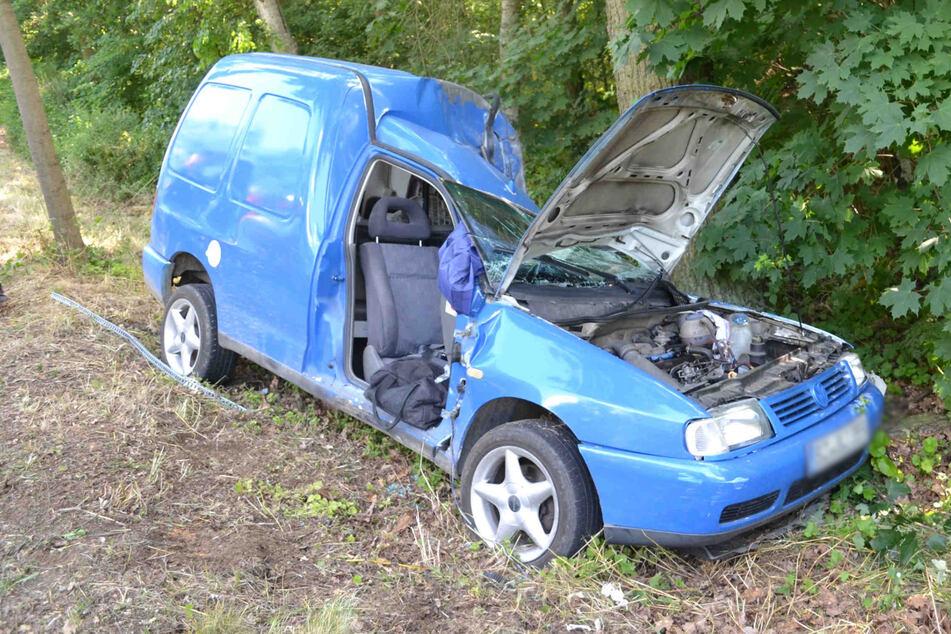 Der VW Caddy hatte nach dem Unfall vermutlich einen Totalschaden.