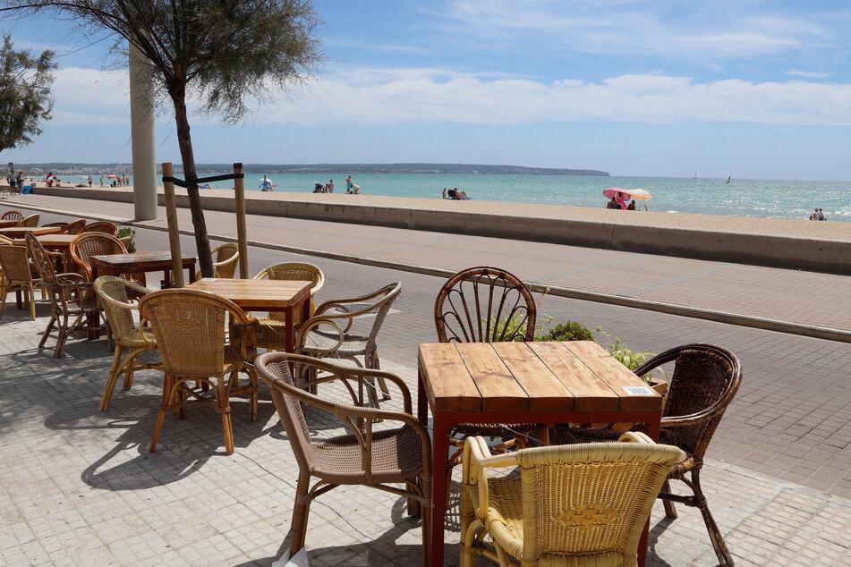 Wochenlang durften Restaurants auf der beliebten Urlaubsregion keine Gäste am Tisch bedienen. Damit ist nun Schluss.