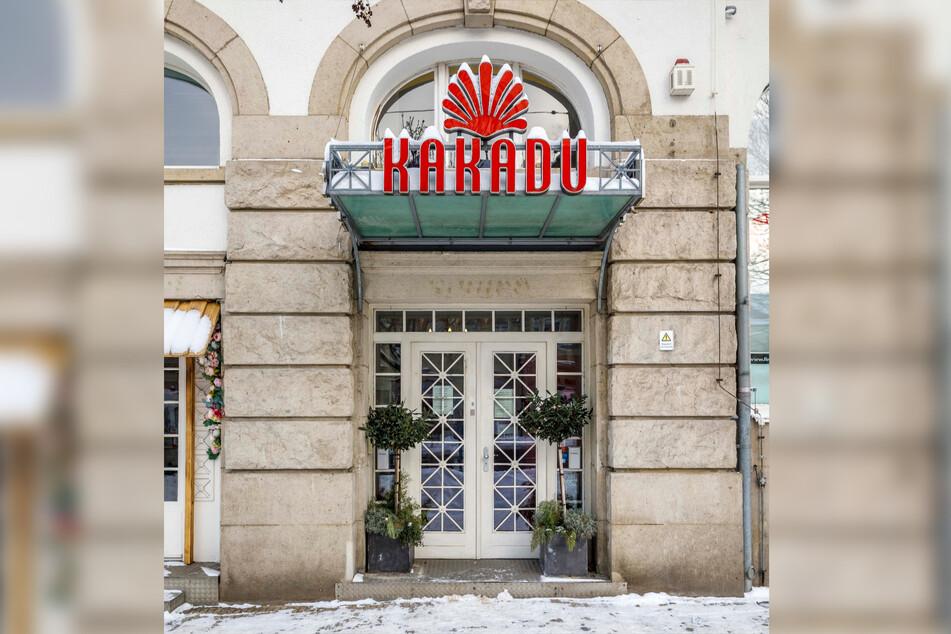 Hier begannen viele Romanzen - am Eingang zur Kakadu-Bar am Parkhotel.