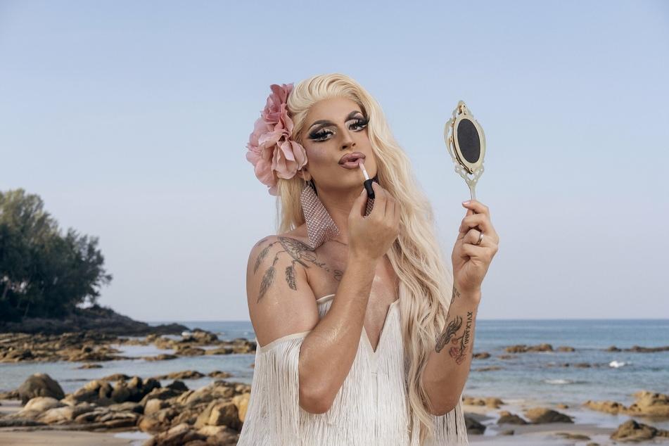 """Katy Bähm (28) sorgt bei """"Promis unter Palmen"""" für Aufsehen."""
