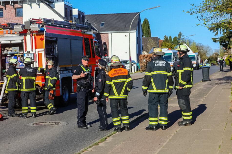Großeinsatz! Bagger reißt Gasleitung auf, Anwohner evakuiert