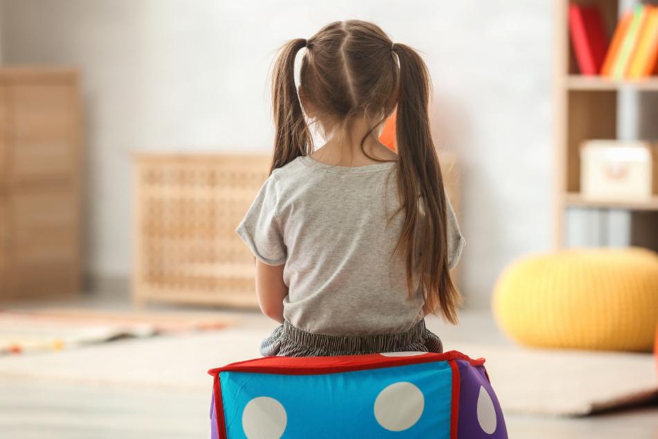 Pflegekinder kommen oft aus schwierigen Verhältnissen, auch damit müssen Pflegeeltern klar kommen. (Symbolbild)