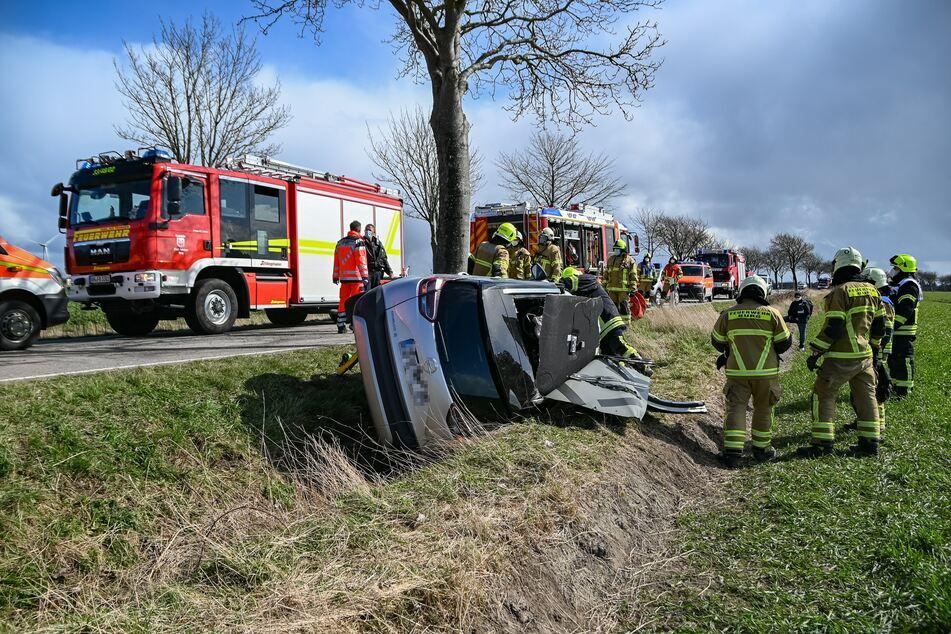 Schwerer Unfall auf Fehmarn: Zwei Insassen verletzt