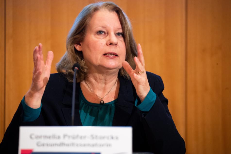 Gesundheitssenatorin Cornelia Prüfer-Storcks (SPD) gibt die aktuellen Fallzahlen bekannt.