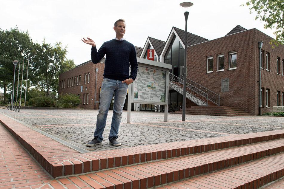 Hendrik Streeck besucht Gangelt, wo er zu Beginn der Corona-Pandemie intensiv über das Virus forschte.