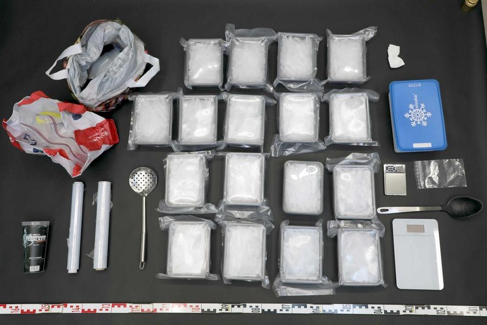 Knapp neun Kilogramm Crystal sichergestellt: Mutmaßliche Dealer in Haft