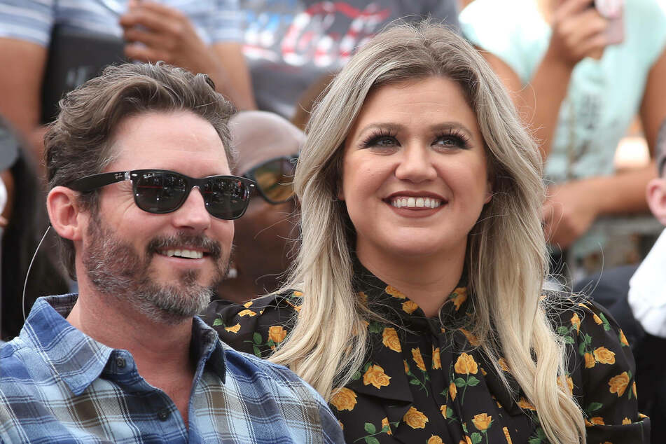 Kelly Clarkson (38) divorced her husband of nearly seven years in 2020.