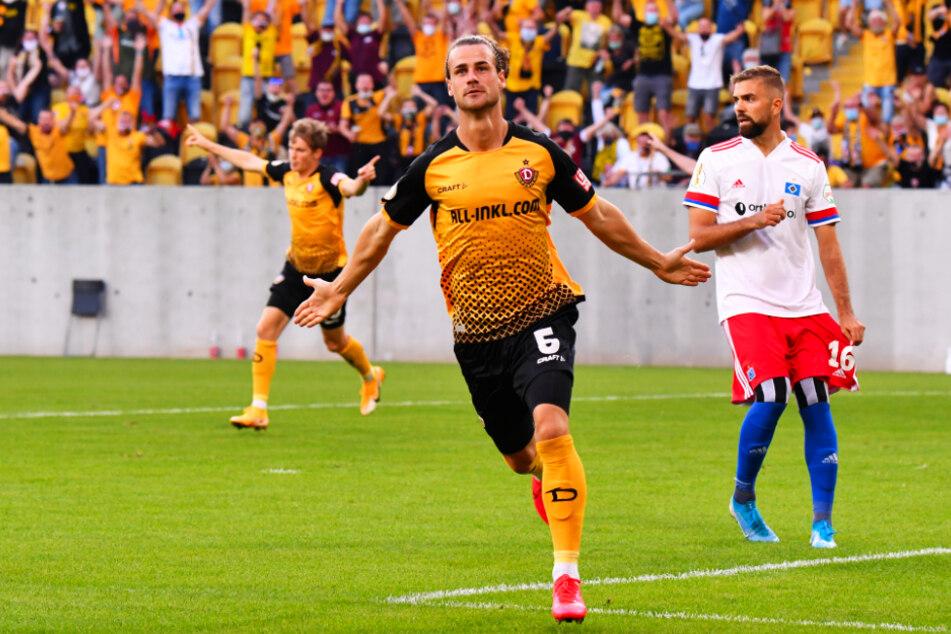 Wird Yannick Stark (30) gegen seinen Ex-Klub wieder so jubeln können? In der 1. Runde gegen den HSV brachte der zentrale Mittelfeldspieler Dynamo früh mit 1:0 in Führung.