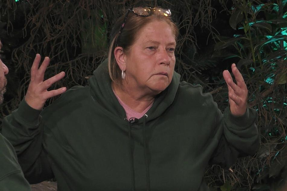 Kathy Kelly (57) bricht eine Lanze für Emmy und nominiert Simone Mecky-Ballack (44).