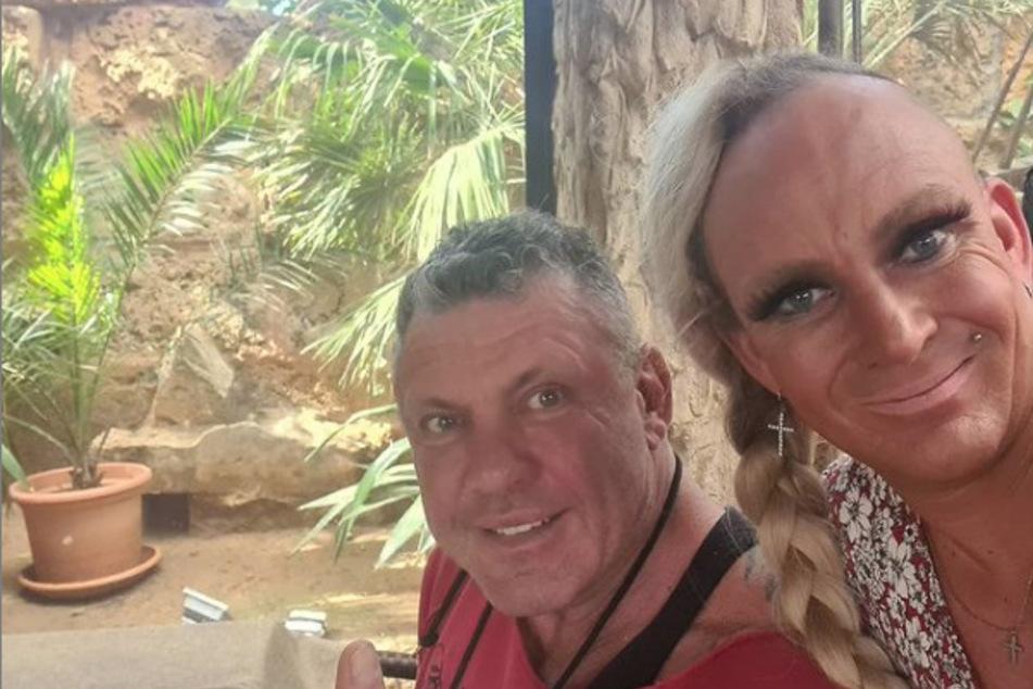 Caro (41) und Andreas Robens (54) sind jetzt Franchisegeber der neuen Mieter der ehemaligen Faneteria von Danni (43) und Jens Büchner (†49).