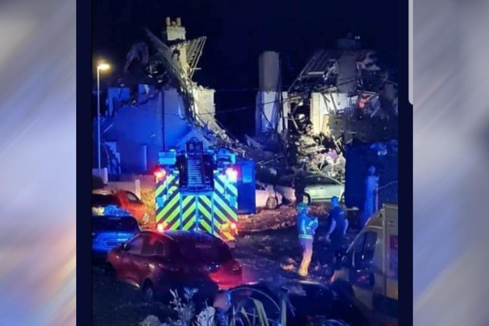 In der englischen Ortschaft Heysham kam es am Sonntagmorgen vermutlich zu einer Gasexplosion, bei der mehrere Reihenhäuser einstürzten.