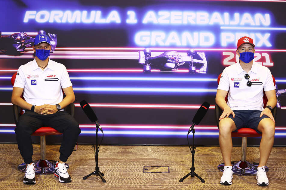 Auf Abstand: zwischen Mick Schumacher (22, l.) und Nikita Mazepin (22) ist die Stimmung eisig.