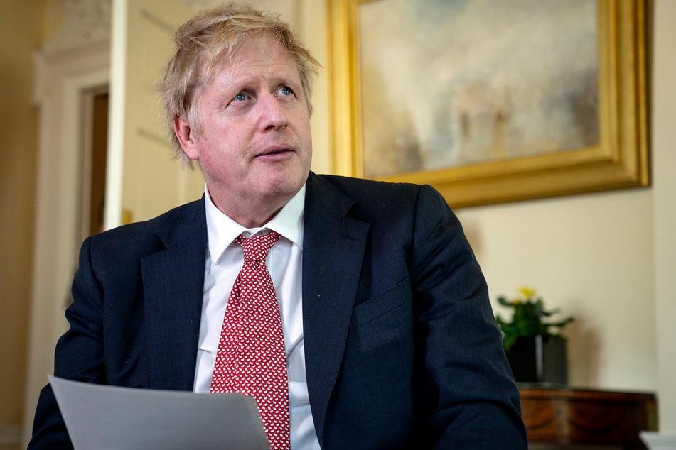 Boris Johnson, Premierminister von Großbritannien, bedankt sich per Video bei den Mitarbeitern des britischen nationalen Gesundheitsdienstes (NHS) für die Rettung seines Lebens.