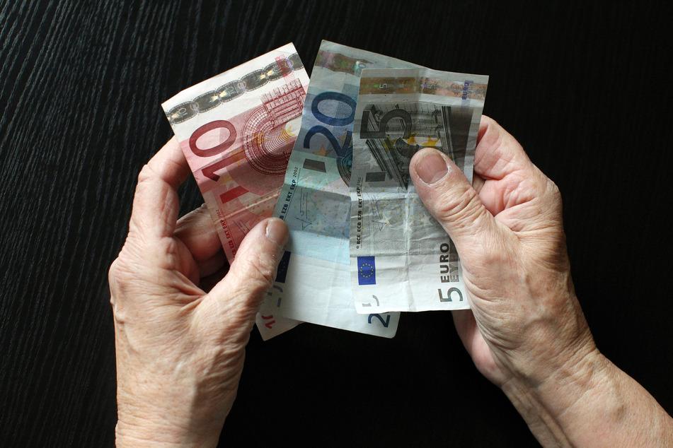 Werden zu viele Menschen vergessen? Die Ausgaben für Sozialhilfe ist in den letzten Jahren gestiegen. (Symbolbild)